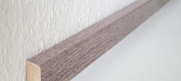 Digital bedruckte Fußbodenleiste